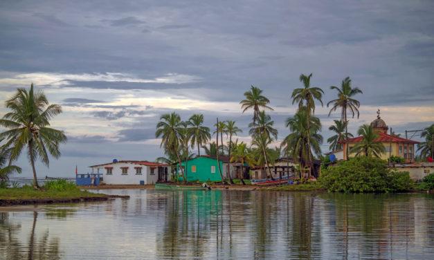 Se Vende 2800 m2 frente al Caribe